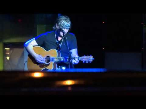 """""""Don't Close Your Eyes"""" - Glen Templeton - Carnival Dream Cruise 2015"""