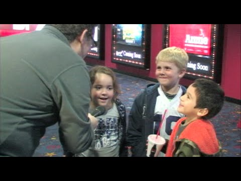 Movie Fans React To Penguins of Madagascar - Penguins of Madagascar Movie Review