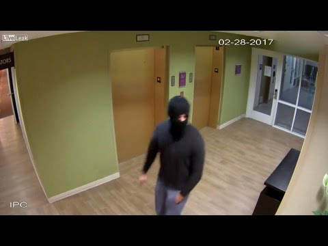 Hotel Clerk Fights Off Attack From Masked Man, Who Cops Say Is A Sex Offender