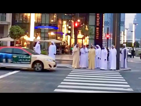 H.H Sheikh Mohammed, Ruler of Dubai, Waiting for signal to cross the road