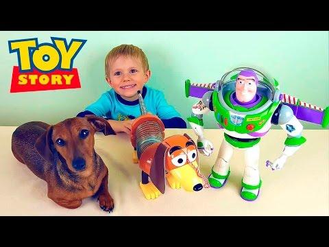 Смотреть онлайн Распаковка игрушки Собачка Спиралька из мультфильма Toy Story-История Игрушек. Даник и игрушки