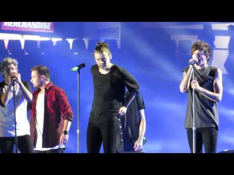 One Direction You and I Sydney OTRA Concert 2015 02 07