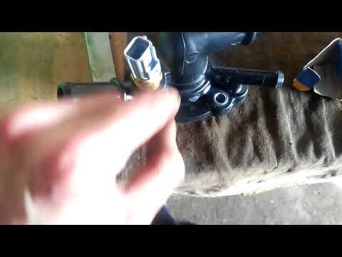 Корпус термостата на форд фокус1