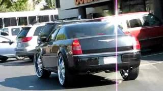 Chrysler 300C 28'' Auto-Dub
