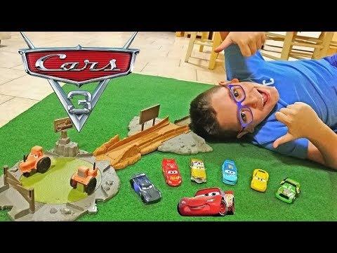 ATTENTO AI TRATTORI! - PISTA E MACCHININE DISNEY CARS 3 - Leo Toys