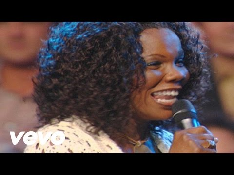 Bill & Gloria Gaither - One Day At a Time [Live] ft. Lynda Randle