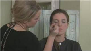How to Apply Eye Shadow : Applying Eye Shadow Wet Thumbnail