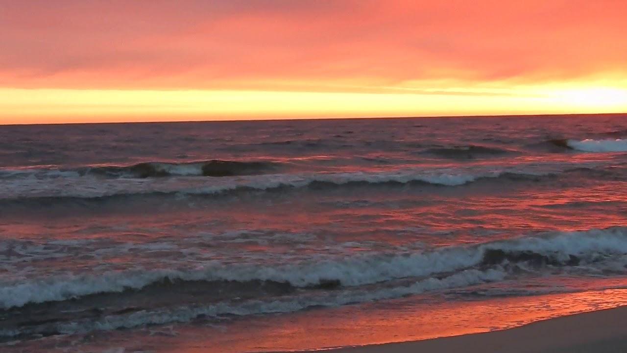 Гифы закат на морском побережье