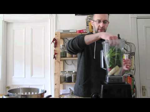 how-do-you-make-a-green-smoothie;-spinach-strawberry-banana-recipe