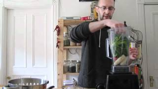 How Do You Make A Green Smoothie; Spinach Strawberry Banana Recipe