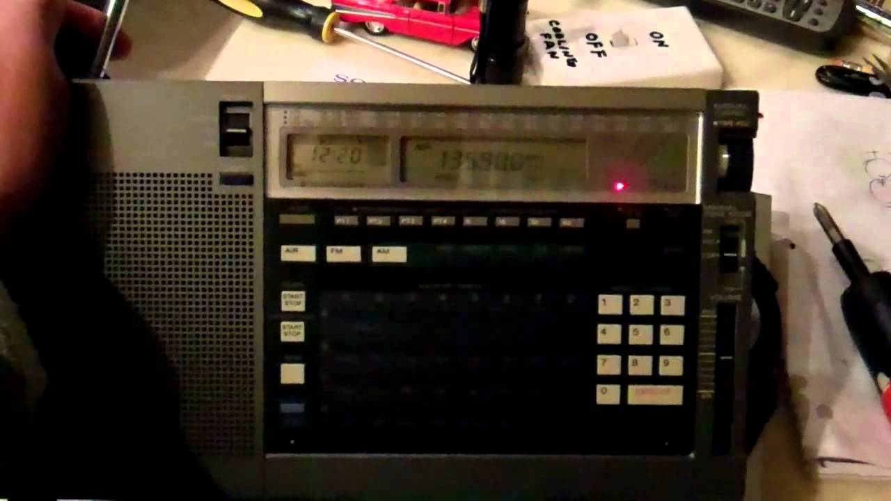 Sony ICF 2010 Shortwave radio with Airband  mp4