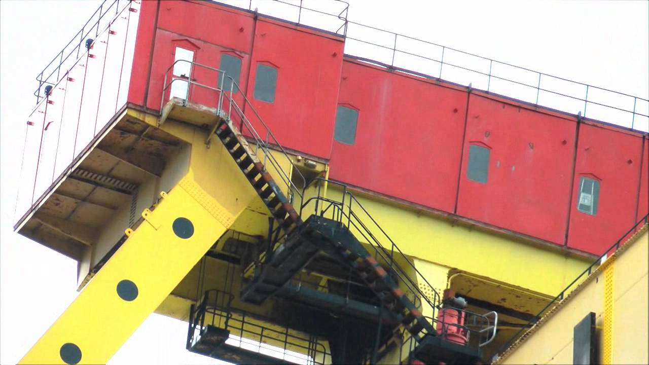 Biggest cranes in the world , Samson and Goliath . - YouTube