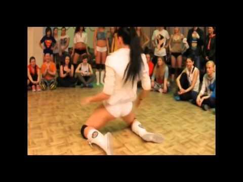 telefon-seks-domashnee-video-tantsuyushih-golih-bab-russkie-razgovori-luchshie