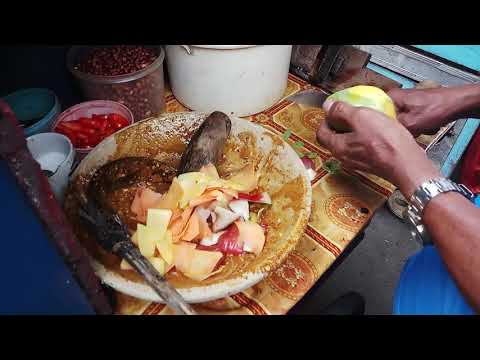 OMG!!! RUJAK SERUT DENGAN KACANG YANG DI SANGRAI - INDONESIAN STREET FOOD