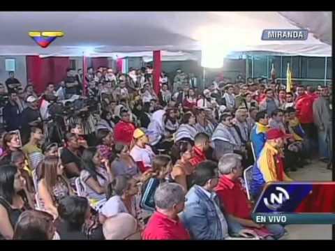تلقى نيكولاس مادورو، رئيس فنزويلا، 119 طالبا فلسطينيا