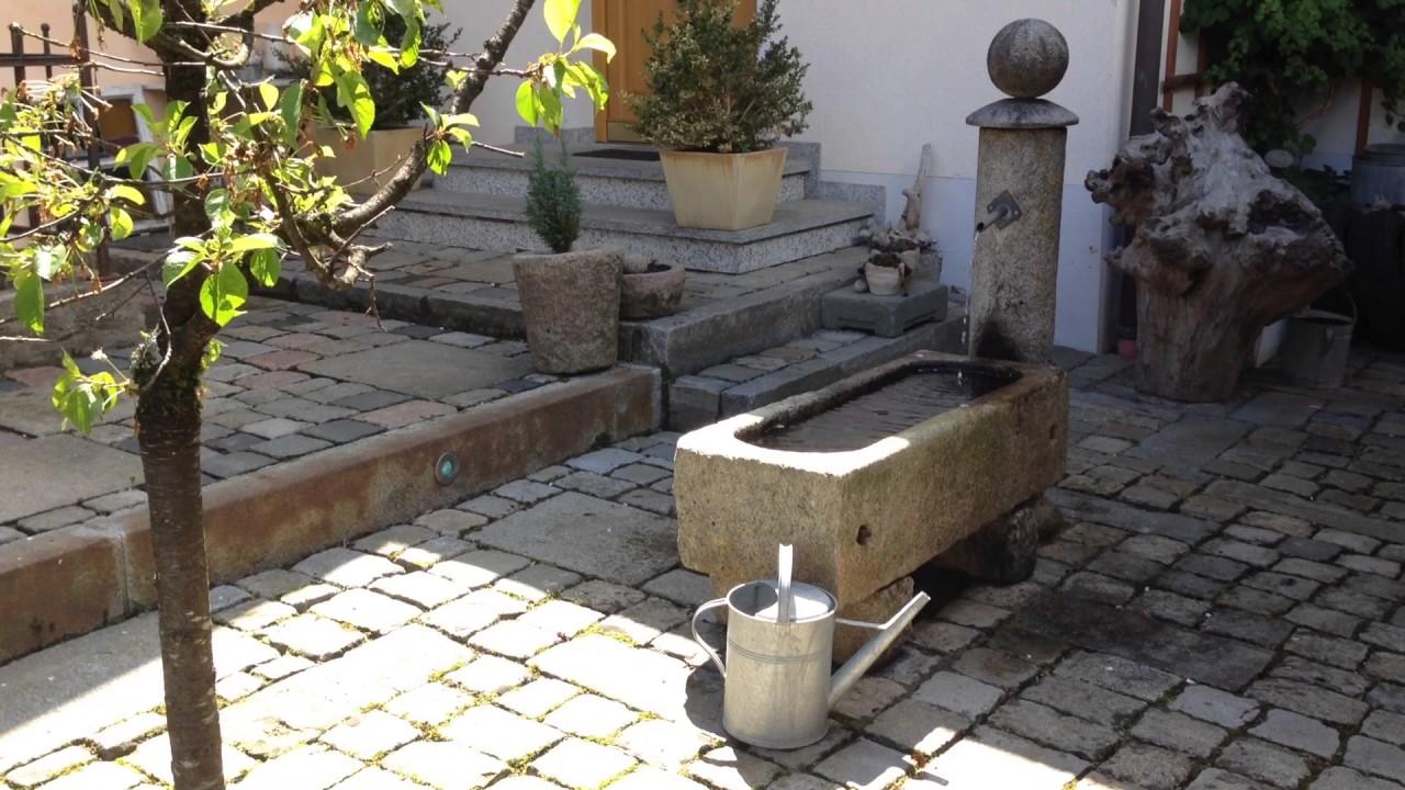 Steintrog Brunnen mit Wassereinlauf  YouTube