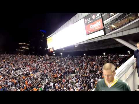 Bear Down Chicago Bears Song - Monday Night Game vs. Green Bay 9/27/2010