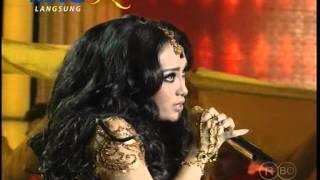 "MNCTV Dangdut Awards (11/12) - Zaskia Gotik-Ayu Ting Ting Medley "" Kata Pujangga & Oh My Darling """