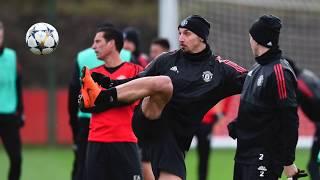 Manchester United y Sevilla luchan por volver a la cima