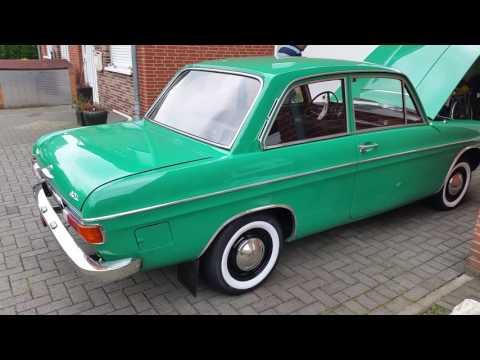 Oldtimer Audi 60 L Baujahr 1971 restauriert Präsentation des Autos außen und innen