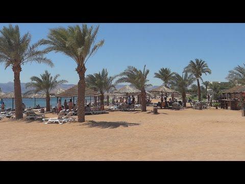 Пляж отеля Marina Plaza 4*  Тала Бей Акаба Иордания
