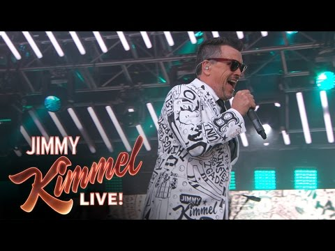 """The Mighty Mighty Bosstones Perform """"Everybody's Better"""""""
