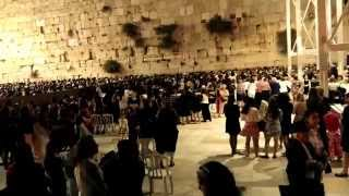 Shabbat at the Western Wall woman side, 25.04.2014