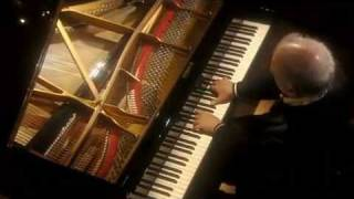 "Barenboim plays Beethoven ""Pathétique"" Sonata No. 8 in C Minor Op. 13, 1st Mov."