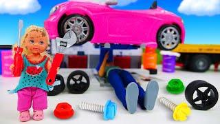 Штеффи мешает Кену чинить машину Барби. Классные видео для девочек