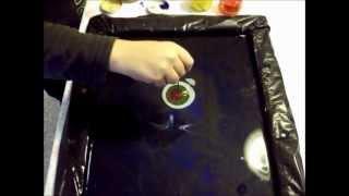 Как рисовать на воде. Краски ебру.(Сильно не критикуйте рисует ребенок 8 лет. Вода: на 1 литр теплой воды 1 ст. ложка клея для обоев, подождать..., 2012-11-13T16:18:02.000Z)