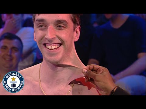 Thumbnail: Stretchiest Skin - Dehnbarste Haut der Welt! - Guinness World Records