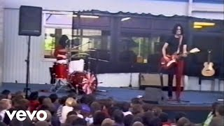 The White Stripes - We're Going to Be Friends (Live at Freeman's Bay Primary School)