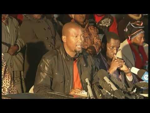 Mandla Mandela addressing the media