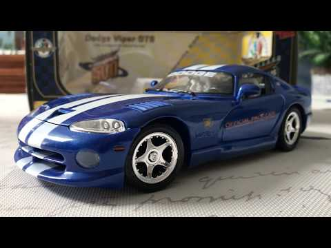 Review of 1996 Dodge Viper Pace Cathy Maisto (Scale 1/18)