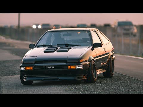 Building An AE86 Hachiroku In 12 Minutes