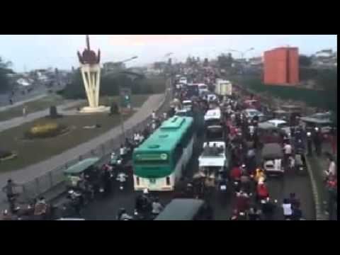 khmer new year traffic jam in befor new year  khmer new year 2015 traffic jam in befor new year