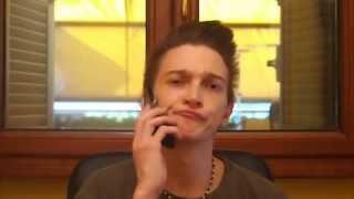 Dread litiga al telefono