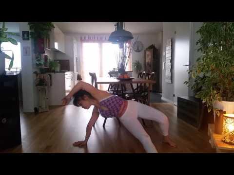 Yoga flow biginner  home prectice. .ฝึกโยคะเองที่บ้าน