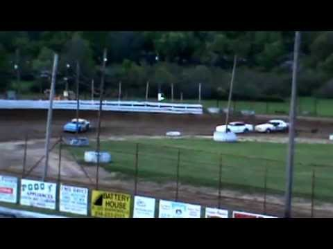 feature win 5-19-13 at Sportsman's Speedway