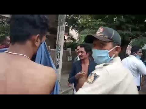 People catch chain-snatchers in Lalbagh and Hand Over to Police