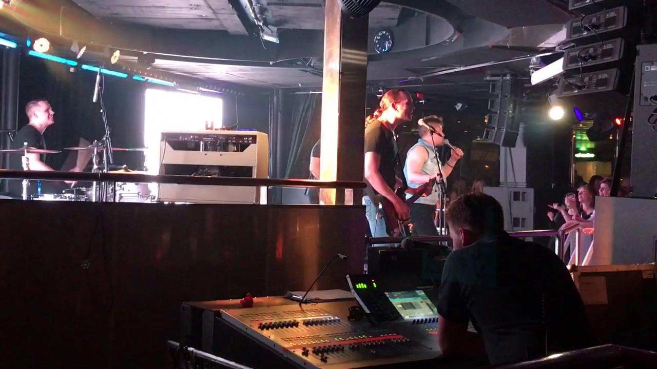 Joku Paikallinen Bändi - Tahroja Paperilla - YouTube