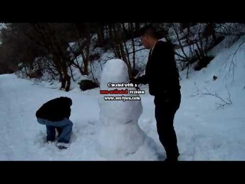 Los Ninos Jugando En La Nieve Youtube