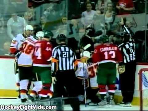Dion Phaneuf hits Tomas Plekanec 11/10/2009