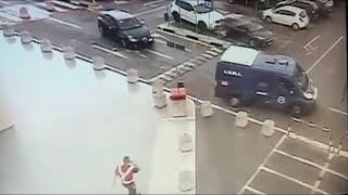Rapina Auchan Taranto la fuga