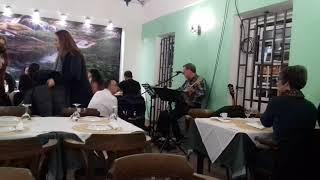 Música ao vivo no restaurante alameda com Carlos Barradas. .Sines