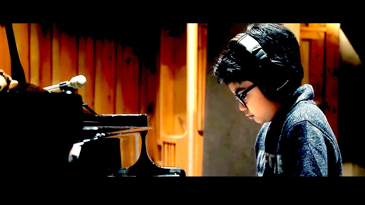 Joey Alexander | Giant Steps | (In-Studio Performance)