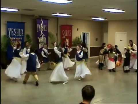 """Chayah Praise Dance: """"ELIYAHU HANAVI"""" - Yehuda!"""