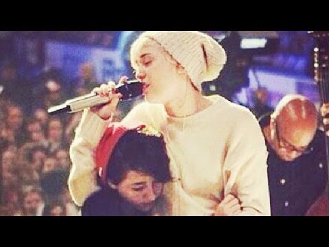 Miley Cyrus Breaks Down in Tears at Concert for Dog Floyd- VIDEO!