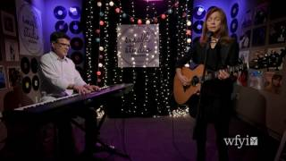 Watch Carrie Newcomer I Believe video