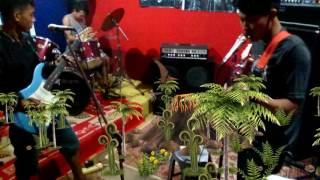 Video Rivers,, Netral,, Cinta  gila download MP3, 3GP, MP4, WEBM, AVI, FLV Desember 2017